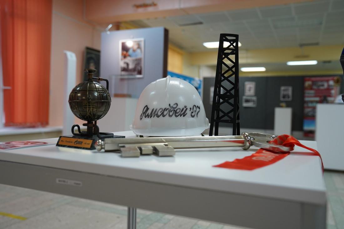 Дляорганизации выставки были использованы экспонаты Центра корпоративной культуры «Газпром добыча Надым»