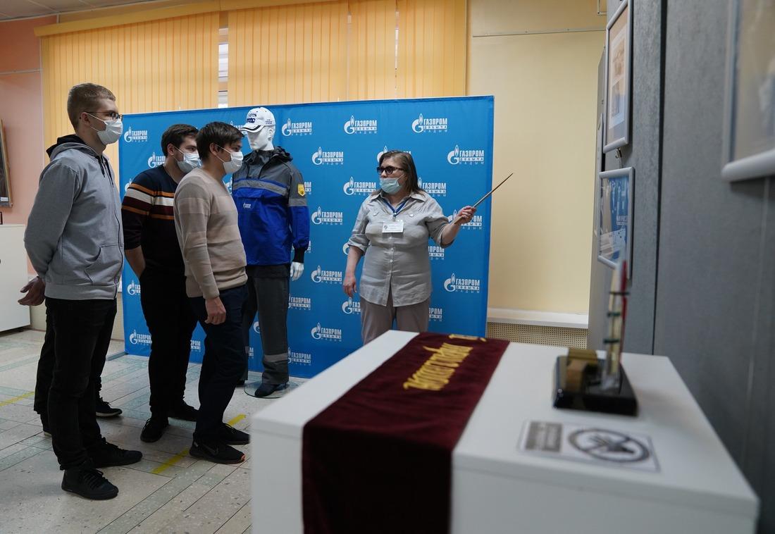 Посетителям выставки рассказали, какой вклад внесла компания газодобытчиков вразвитие города Надыма